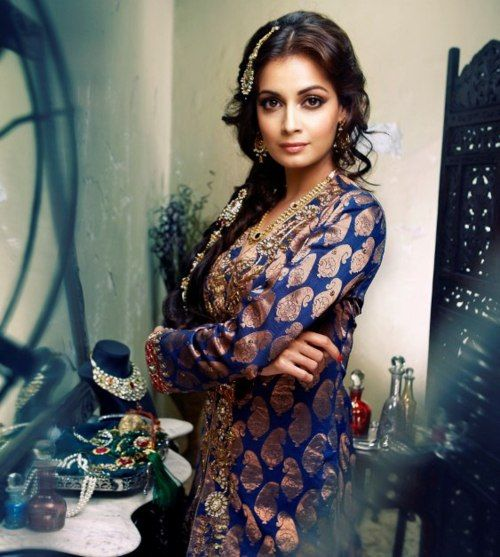 Love Dia Mirza's old world glamorous photo shoot with Wedding Vows Magazine. She wears Anita Dongre.