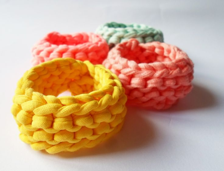Organic cotton bracelet set in mint, sunny yellow, pastel peach and neon pink