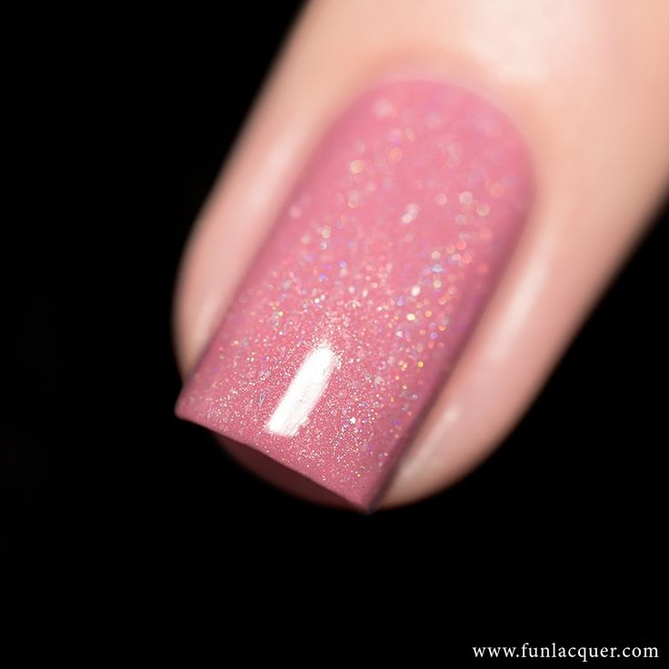 This soft pink holographic polish, filled with shimmery flakies, is sure to get you in the day dreaming mood. Fully opaque in 2-3 coats! Collection: Sveta Sanders Collection Stunning nails by lakkomla