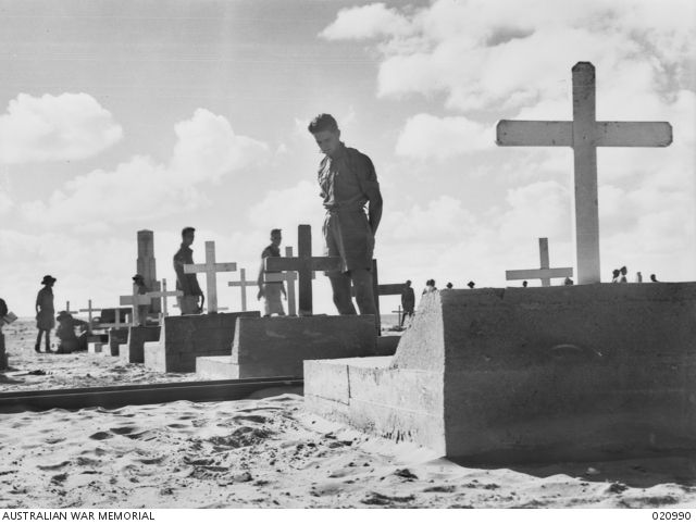 After the siege of Tobruk was lifted, Australian soldiers came back to say good bye to their comrades