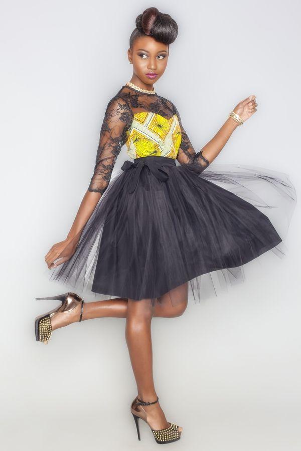 Kaela Kay propose pour cet automne hiver 2014-2015 une collection à l'image de son savoir faire et de son talent. La marque créée par la styliste ghanéenne Catherine Addai, s'est spécialisée dans l'utilisation du wax en l'association de manière originale avec d'autres tissus. L'une des associations que la marque réussit en particulier, c'est celle très ...