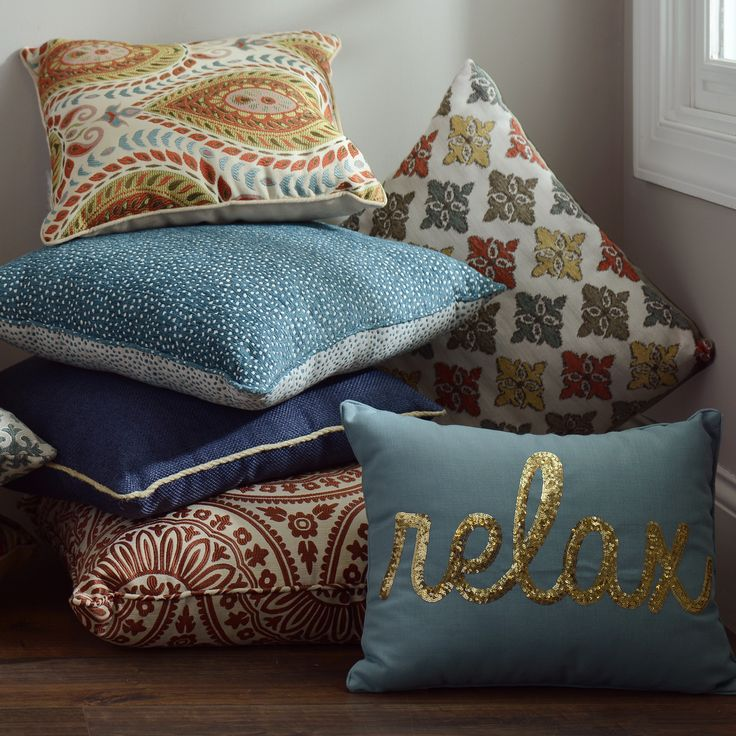 Cute Pillows For Your Room : Changing up your accent pillows can change the entire vibe of a room! Make your home more ...