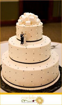 Google Image Result for http://www.the-wedding-information-site.com/images/2blackwhiteweddingcake.jpg