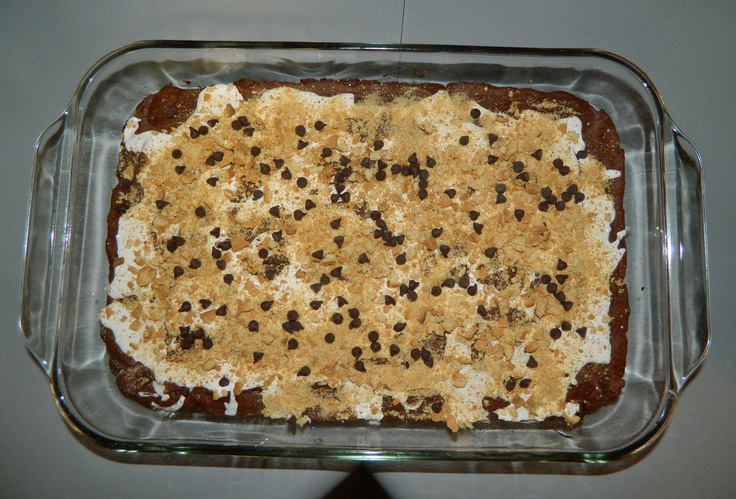 S'mores Brownies | Hungry Girl Cookbook: 200 Under 200 Just Desserts - 200 Recipes Under 200 Calories, (Page 122) #WeightWatchers #PointsPlus - Calories/Serving: 146