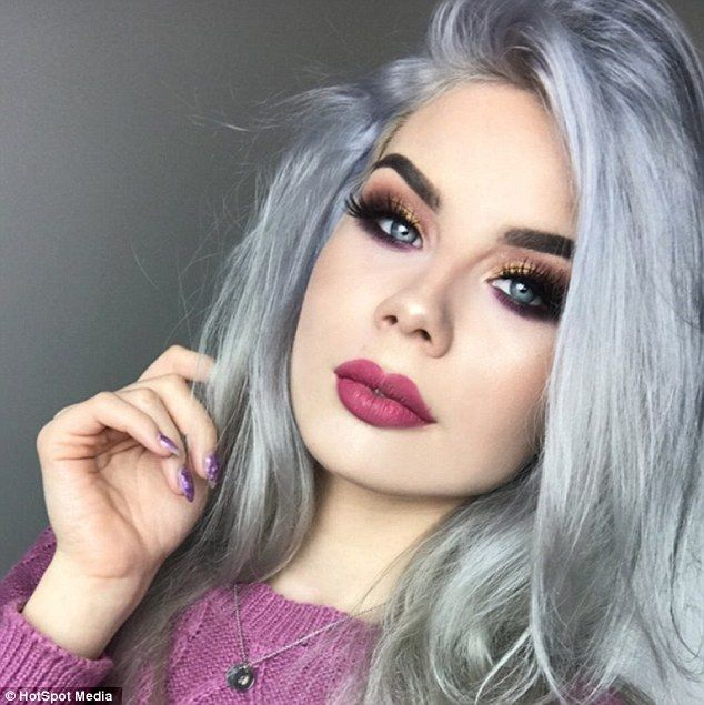 Instagrammer hits back at trolls calling her 'swamp creature' because of skin problems | Daily Mail Online