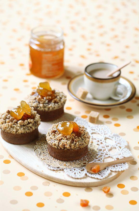 Verdade de Sabor: Schokolade-Aprikosen-Financiers mit shtreyzelnoy Krume / Financiers de chocolate e alperce com cobertura Streusel