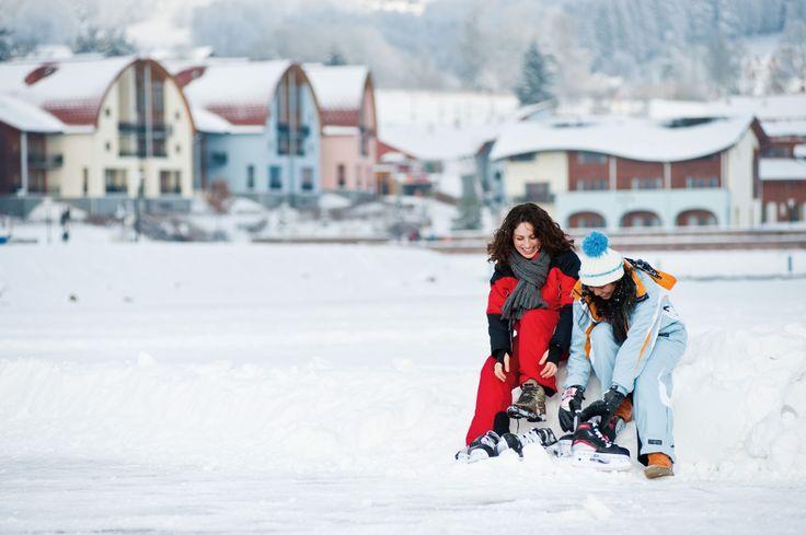 In de winter kunt u schaatsen op het Lipno-meer, gelegen aan vakantiepark Landal Marina Lipno!