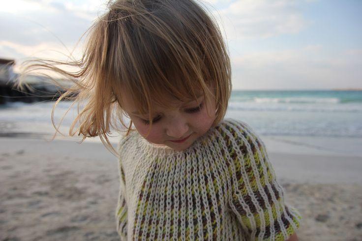 Knit dress. <3: Knits Girls Dresses, Brioches Stitches, Free Knits, Cute Dresses, Knits Dresses, Knits Patterns, Stripi Dresses, Beautiful Dresses, Girls Sweaters