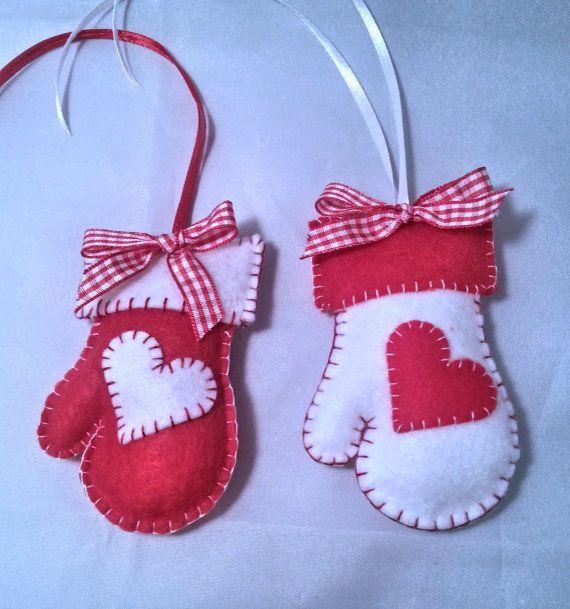 Decorazione natalizia - 1 guantino in feltro realizzato a mano, in bianco o rosso