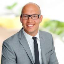 Hej jag heter Andreas Nilsson och jobbar som mäklare på Notar Bromma & Spånga. Andra områden jag är proffs på är Ekerö med omnejd.