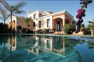 Amazing house in Cyprus. Price: 6 300 000 EUR ($8335000)