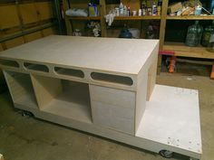 Paulk Workbench top and mobile base                                                                                                                                                      Más
