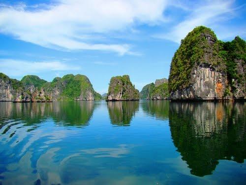 Lan Ha bay, a part of Cat Ba island