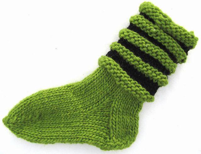Ravelry: Loopy Lovikka socks/Vågiga Lovikkasockor pattern by Ann Linderhjelm