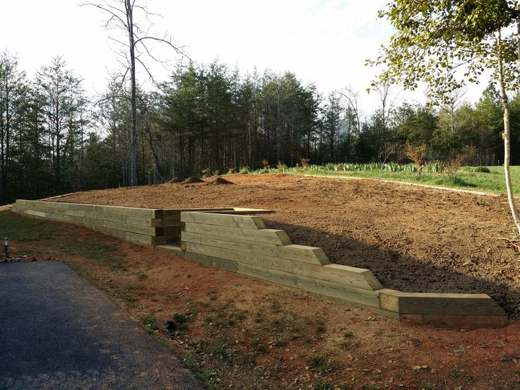 This Retaining Wall Utilizes 6x6 Posts With A Center