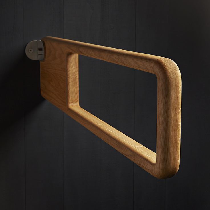 The Holt grab rail is crafted in the UK from FSC accredited oak and then precision finished with 5% matt interior lacquer. Durable steel components are inserted into the grab rail and then secured to the minimalist fixing bracket manufactured from Grade 316 satin stainless steel.