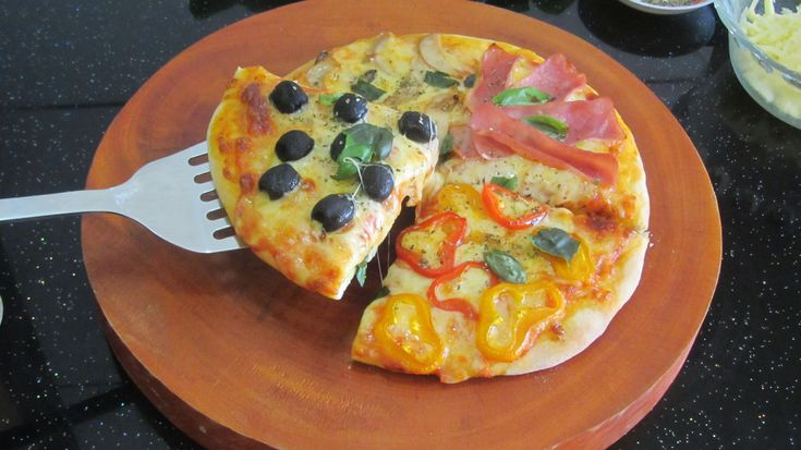 làm pizza Bốn mùa рецепт пиццы четыре сезона 4 season pizza recipe PIZZA...