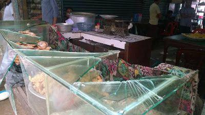 ভালুকায় হোটেল ভাঙচুর-লোটপাটের অভিযোগ   bornamelanews24.com
