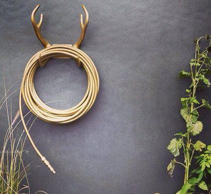 Garden Glory Reindeer Hose Rack http://www.gracioushome.com/Search?q=Garden%20glory