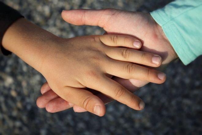 Así pueden ayudar los padres a sus hijos con preocupaciones | Salud | EL MUNDO