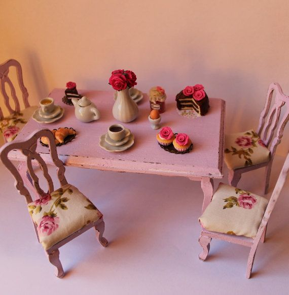 Shabby chic vintage table with chairs with by ManthaCreaMiniatures