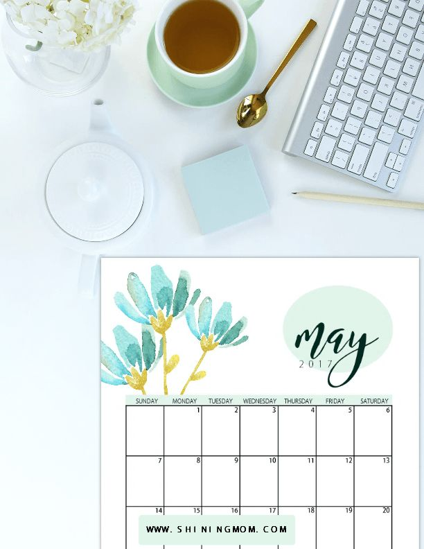 Get your free May 2017 calendar printable in pretty florals!