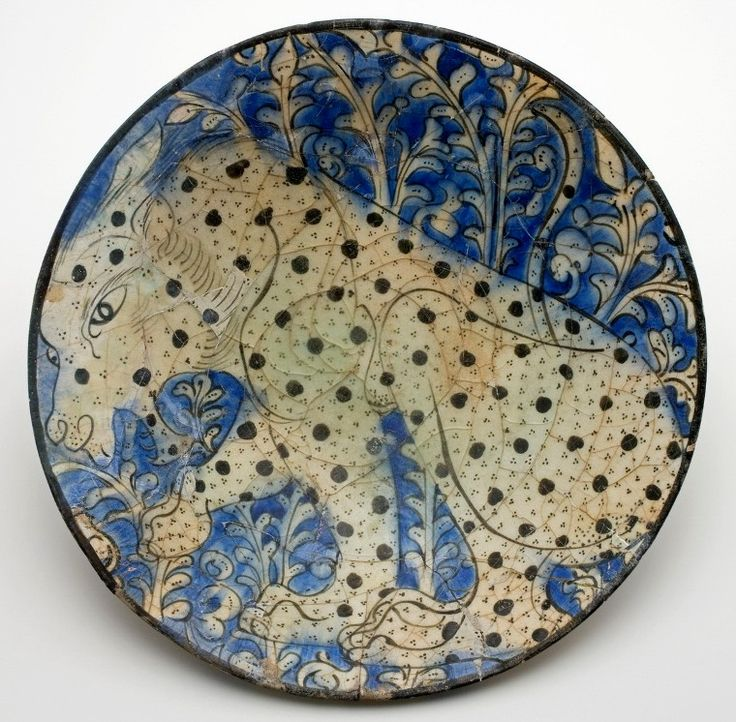 Shallow bowl Iran, early 13th century Bequeathed by Oscar Raphael in 1941 (OC.167-1946, above left)