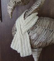 Keyhole Scarf - Free Crochet Pattern, quick, short, clear pattern!