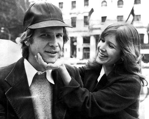 Carrie Fisher ha tardado 40 años en desvelar el secreto, pero al final lo ha soltado: mantuvo un tórrido romance con Harrison Ford durante el rodaje de la primera entrega de 'Star Wars'. Ahora todo...