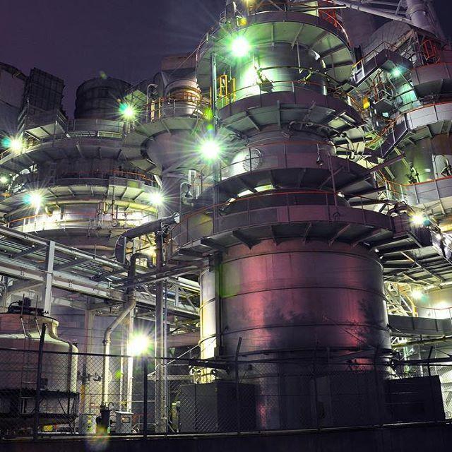 Instagram【yuki_yupico】さんの写真をピンしています。 《近未来的でカッコイイ✨ * * * #工場#工場夜景#工場萌え#夜景#夜景ら部#兵庫#兵庫県#高砂#高砂市#カネカ#カネカ高砂工業所#東京カメラ部#factory#factry_shotz#i_love_kj#factorynightview#industry#nightphotography#nightshot#nightview#hyogo#takasago#thermalpowerplant#longexposure#nikon#nikond90#d90#p_club_》
