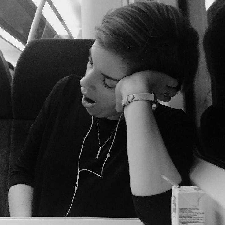 Early more commute is tiring #commute #commuters #train #southeastern #bnw #bnw_life #bnw_magazine #bwphoto