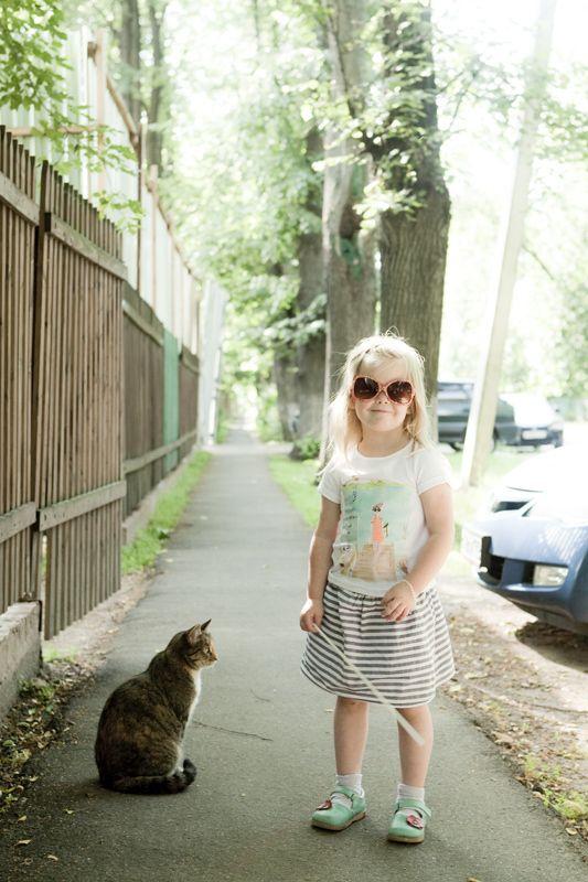 mint color, cat and summer mood