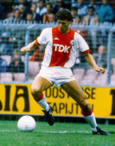 Marco van Basten - Netherlands 1981 - 1987 (133 matches / 128 goals)
