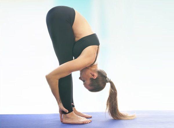 Poziții practica yoga pentru Quick cresterea parului