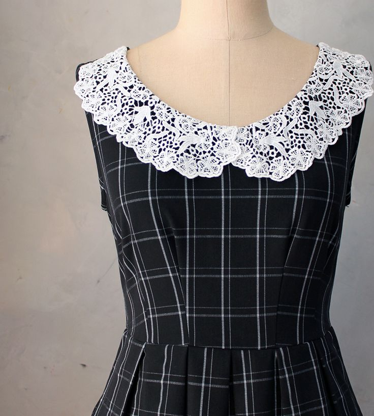 Autumn Dress with Lace Collar