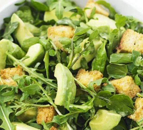 Salata verde cu telina , mar si avocado