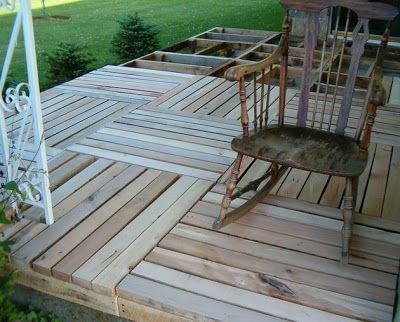 52 best images about pallet playhouse fort on pinterest for Pallet tree fort
