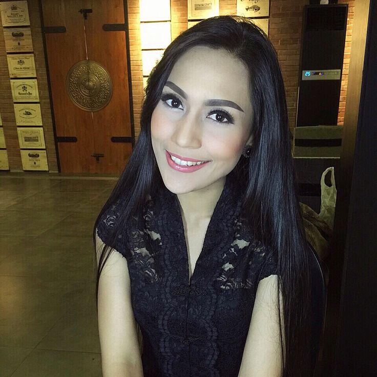 Beautiful Indonesian fashion designer INTAN AVANTIE ❤️ Makeup by @lalanindita
