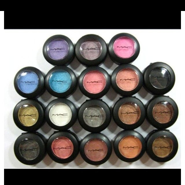 MAC make upEye Colors, Makeup, Beautiful, Mac Eye Shadows, Hair, Products, Green Eye, Mac Cosmetics, Mac Eyeshadows