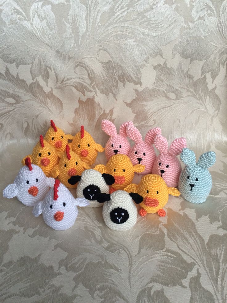 Easter egg hunt - this could be a way to even out the number of eggs each child gets, assign each child an animal. ~ LINK CORRECT and pattern is FREE when I checked on 04/09/2015. Page down to almost the bottom of the page for the pattern