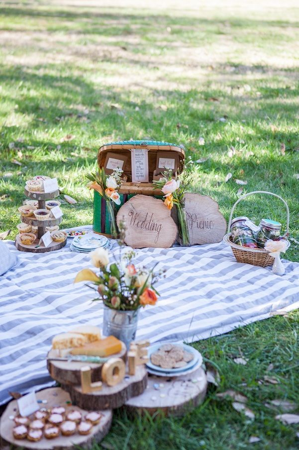 Picnic Wedding, love the wood plates