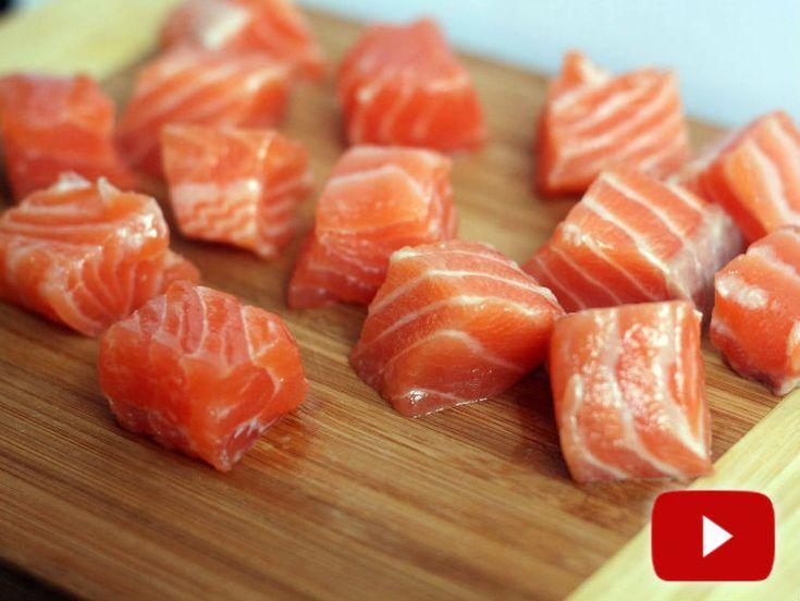 La receta veraniega favorita de Paulina: un salmón crudo sin receta. Instigamos a probarlo, no se arrepentirán. Única entre las recetas con salmón fresco.