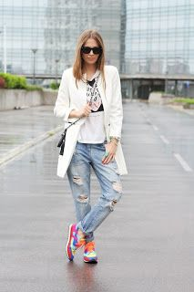 Fashionable sneakers, pair em with awesome baggies and a casual blazer.