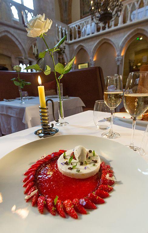 Abbaye de la Bussière. Hôtel Relais & Châteaux et restaurant dans un parc. France, La Bussière-sur-Ouche. #RelaisChateaux #FineDining #Gourmet #Gastronomie
