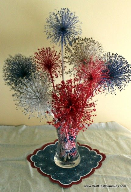 Allium Fireworks Centerpiece-spray dried allium (or other firework-y looking flower) with paint and glitter and voila! A July 4th centerpiece!