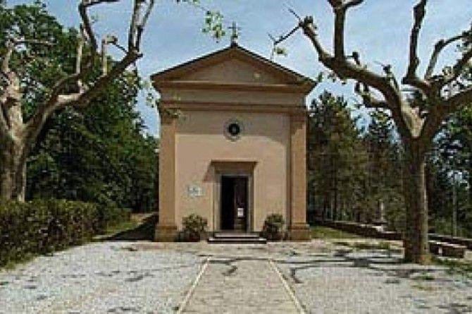 Sant'Anna di Stazzema. Tratto dal Film 'Miracolo a Sant'Anna'. La Chiesetta è il simbolo dell'atrocità umana