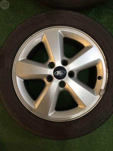 . Llantas de Aluminio, Ford, tama�o: 205 / 55 / 16.