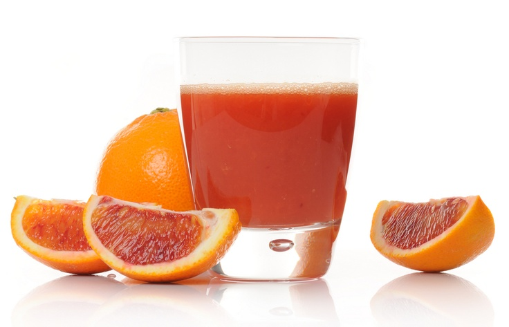 Countdown Cocktail: 2 oz. gin, 3 oz. blood orange juice, 2 dashes bitters and blood orange slice for garnish.  Add first three ingredients to an old fashioned glass filled with ice. Stir well. Garnish with an orange slice.
