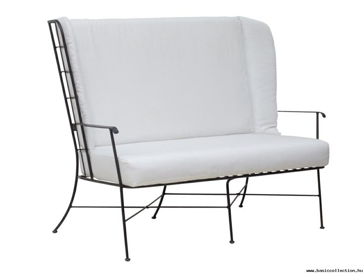Basic Collection, Anne Rose 660 #outdoorfurniture #outdoorsofa #upholstery #upholsteredfurniture