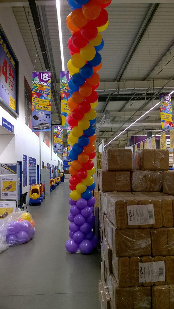 7-metrowa! Brama Gigant z Balonów na 18-ste Urodziny Castoramy Bielany! Zrobiona z 5-ciu kolorów i cztero-kolorowej spirali. http://balomania.eu/